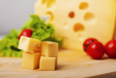 Як правильно зберігати сир?