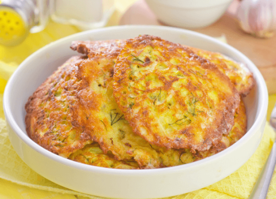 Рецепт кабачкових оладок з сиром!