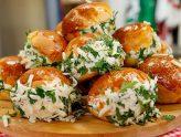 Рецепт пампушок з часником і сиром!